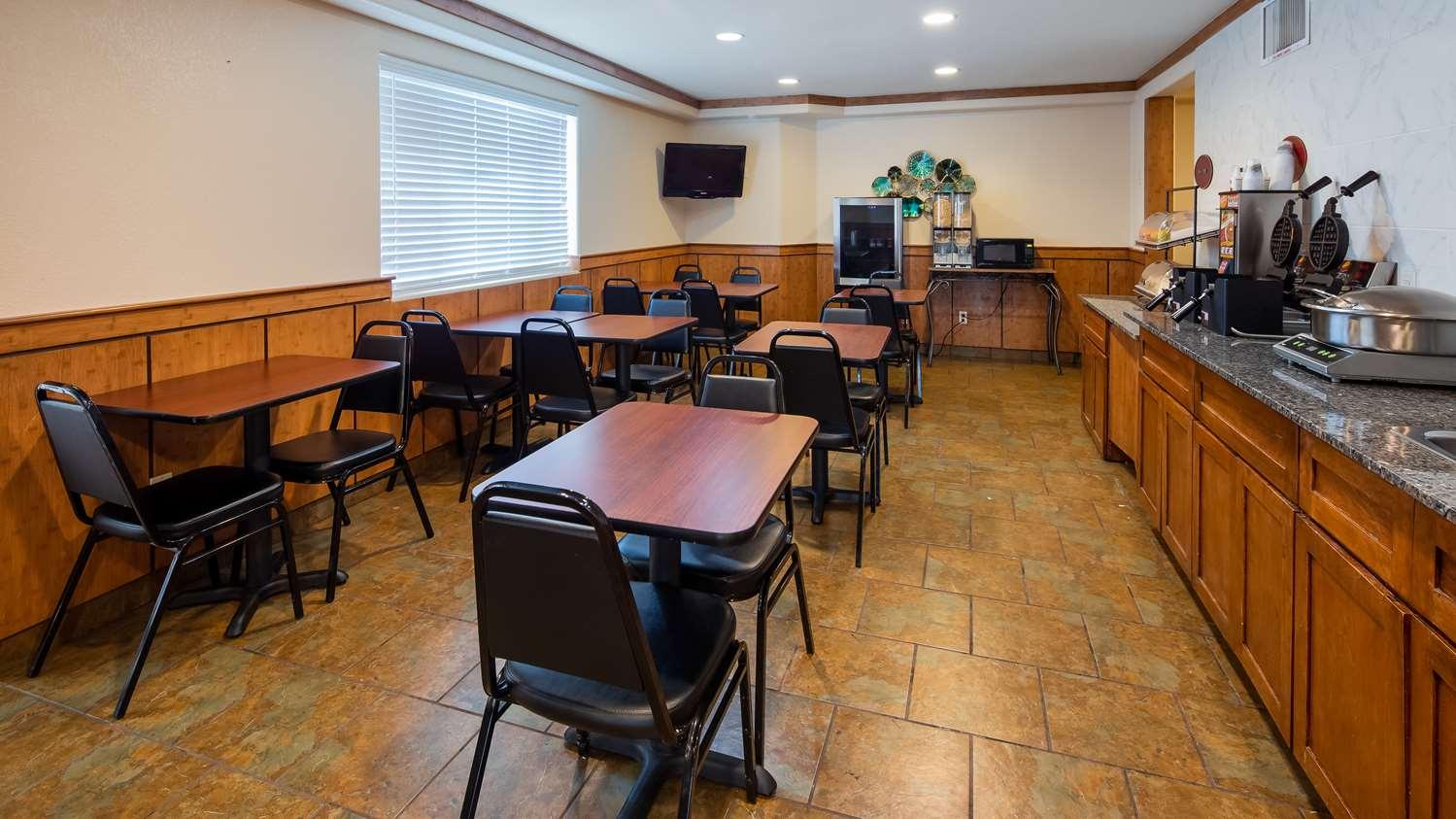 Restaurant - SureStay Plus Hotel by Best Western Thornton