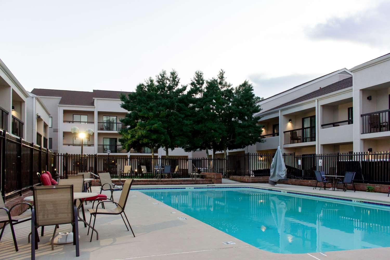 Pool - Comfort Inn Roswell