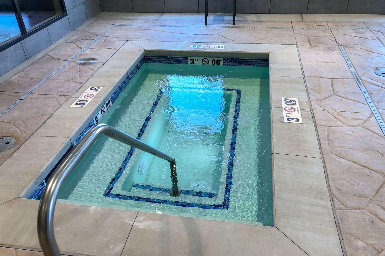 Pool - Comfort Suites Liberal