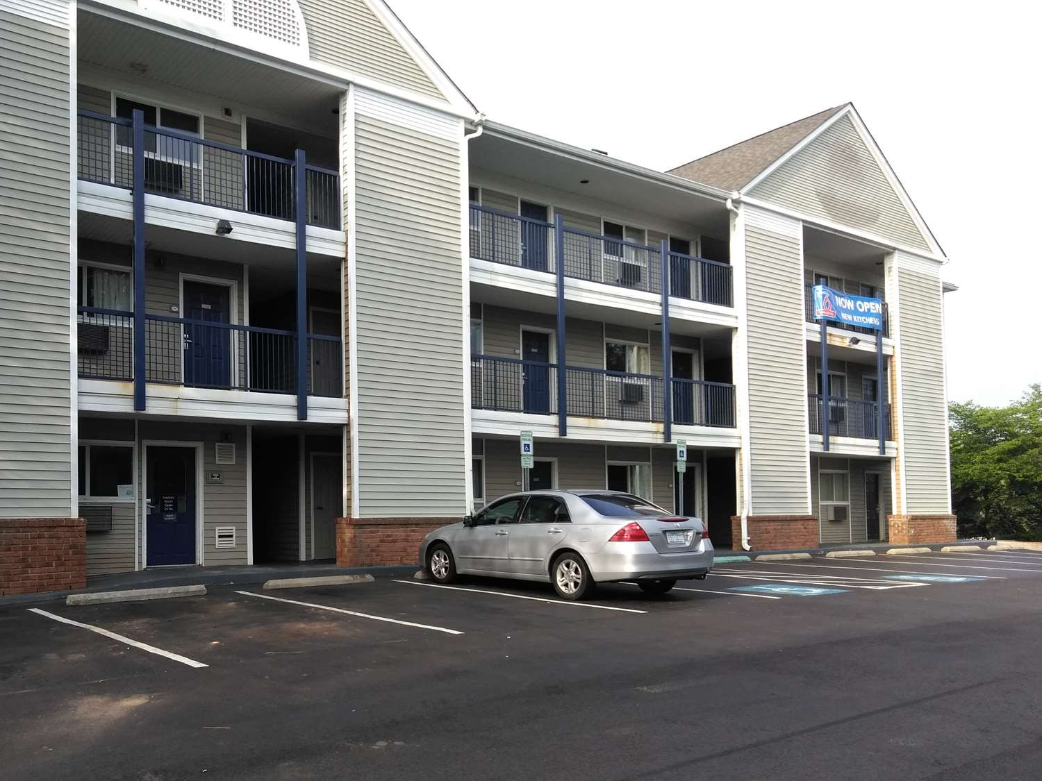 Exterior view - Studio 6 Extended Stay Hotel I-40 Greensboro