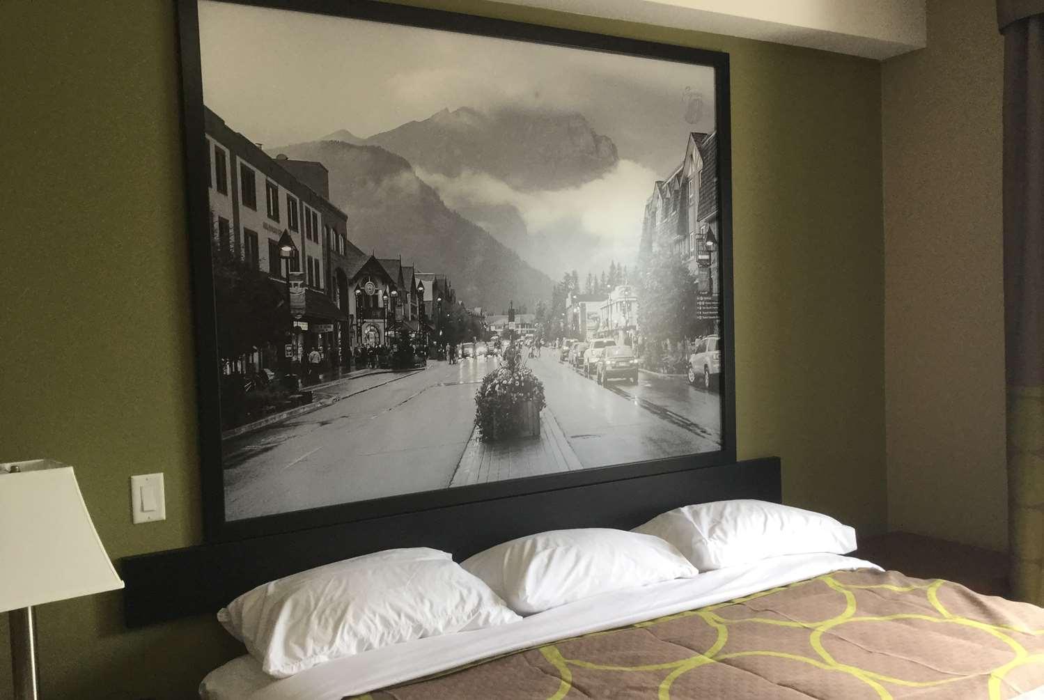 Room - Super 8 Motel Hardisty
