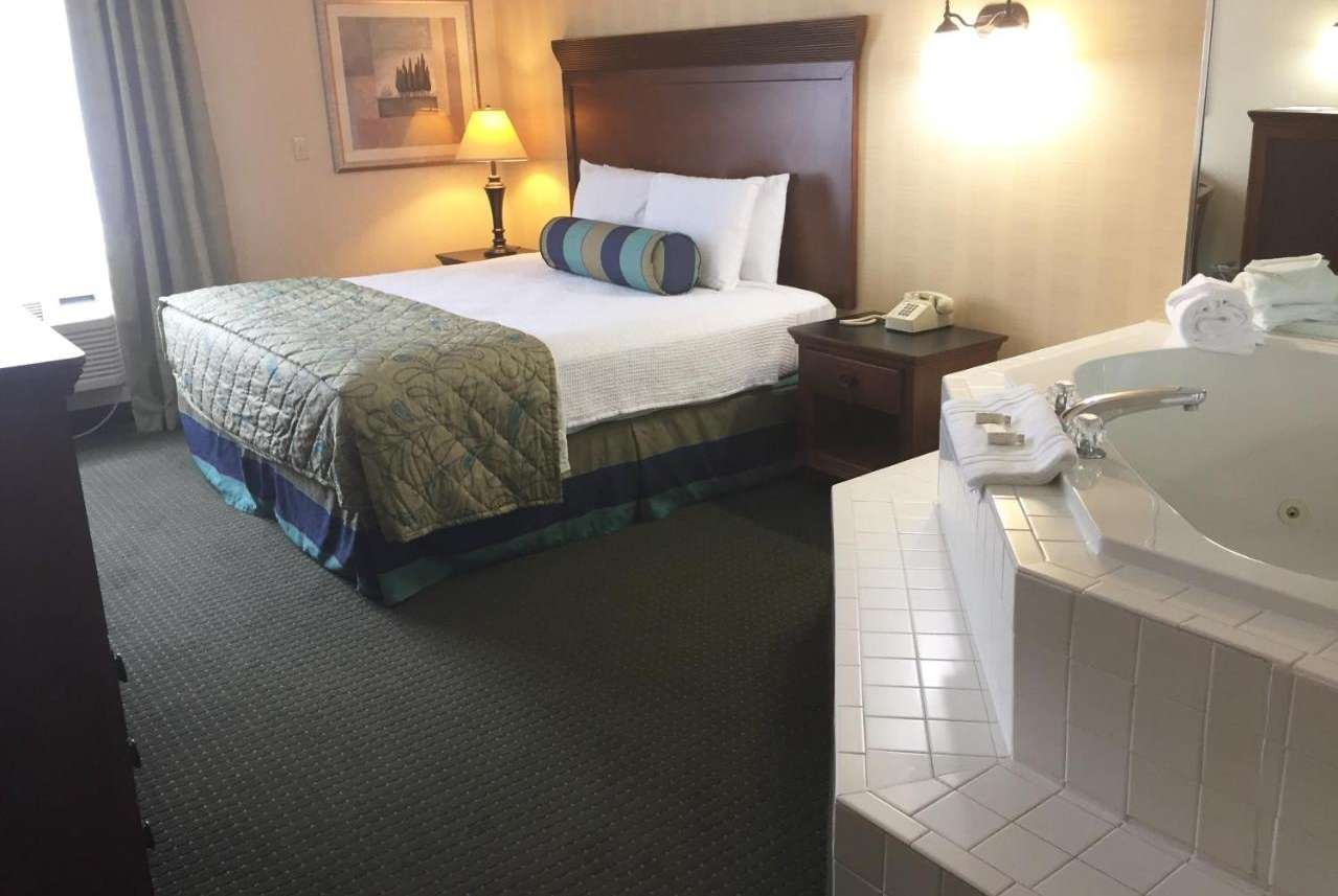 Room - Baymont Inn & Suites MO 76 Branson