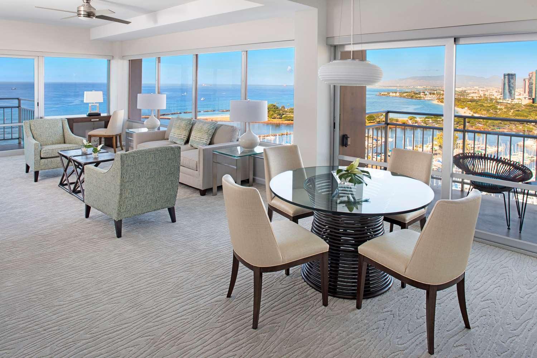 ilikai hotel luxury suites waikiki honolulu hi see. Black Bedroom Furniture Sets. Home Design Ideas