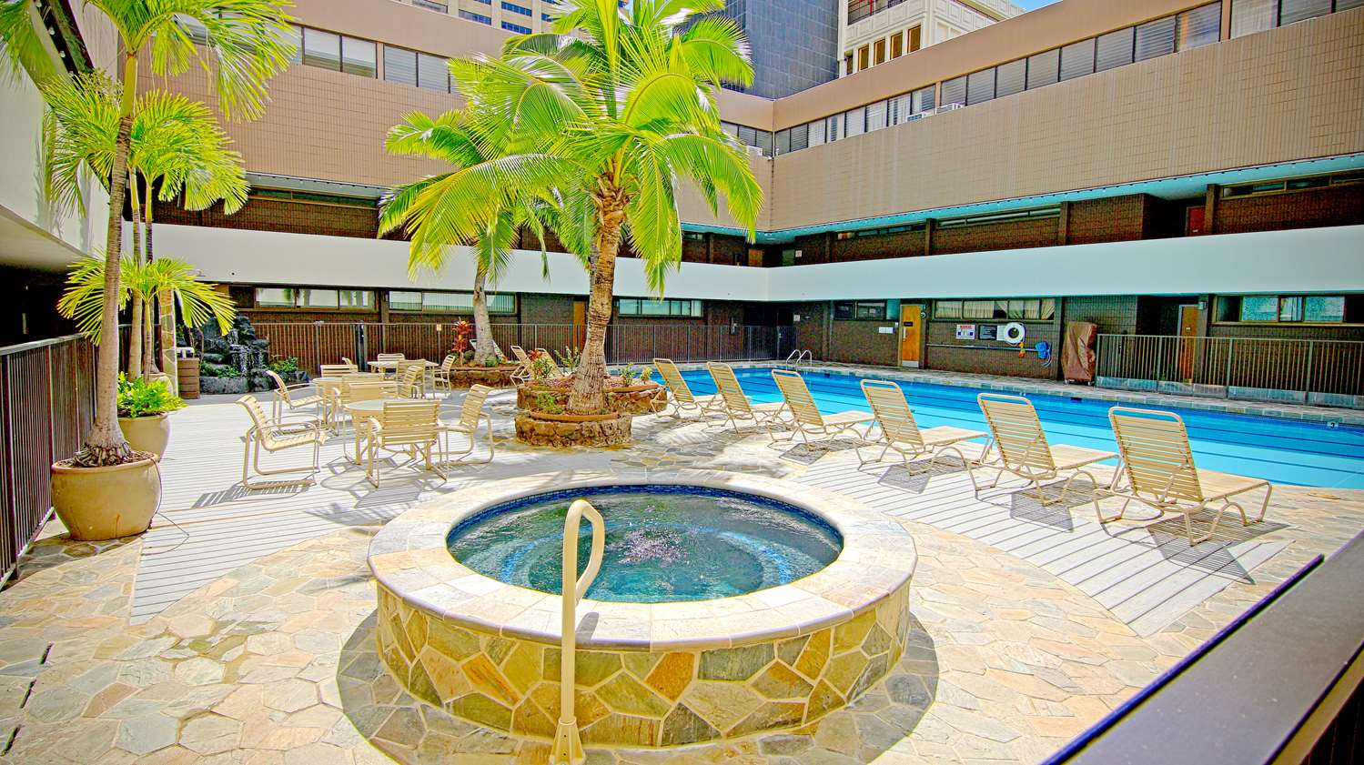 Pool - Aston at the Executive Centre Hotel Honolulu