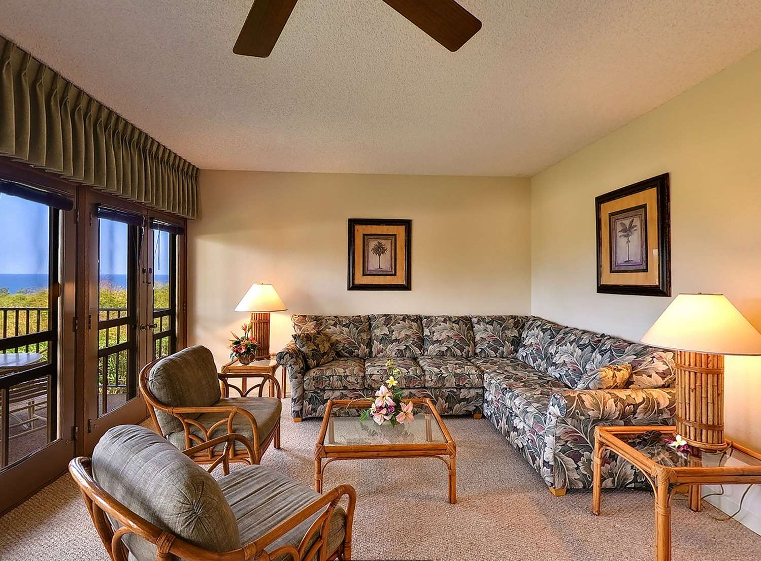 Aston Maui Hill - 1 Bedroom Ocean View Living Area