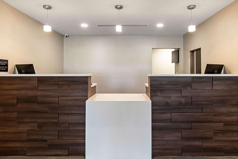 Lobby - Comfort Suites Grove City
