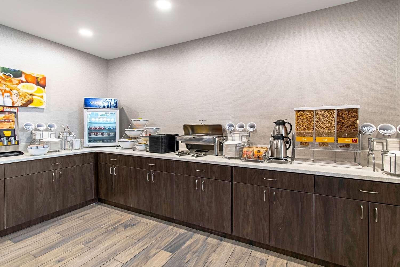 Restaurant - Comfort Suites Grove City
