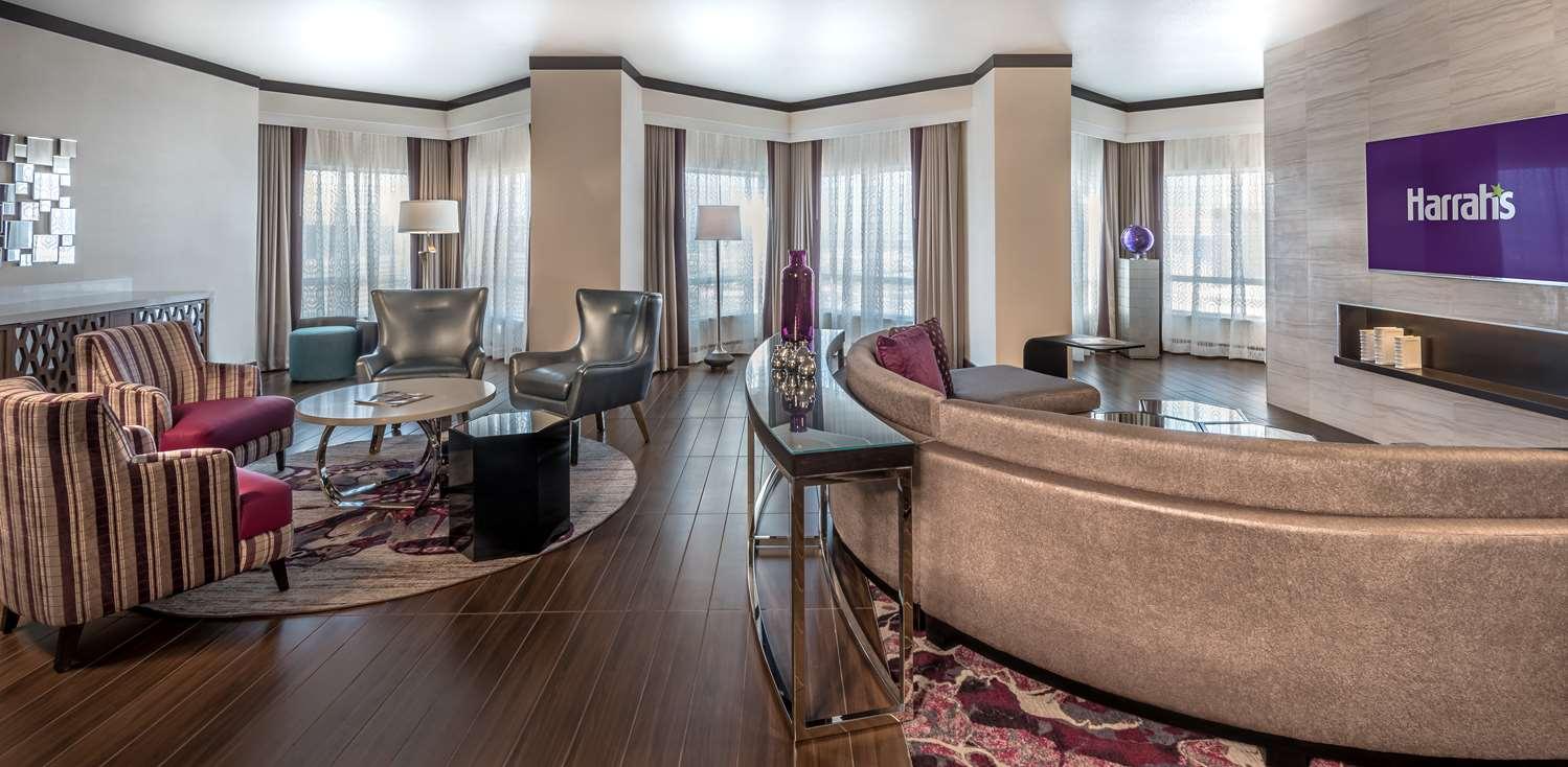Suite - Harrah's Hotel & Casino Las Vegas