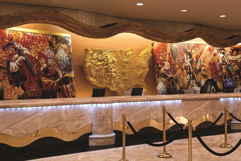 Lobby - Harrah's Hotel & Casino Las Vegas