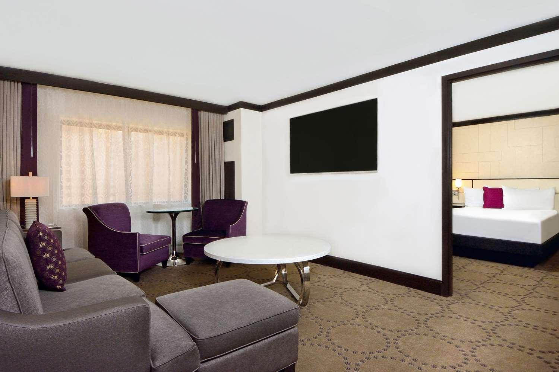 Suite - Harrah's Hotel Laughlin