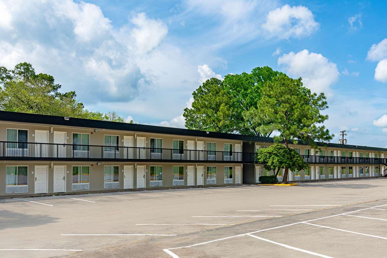 Exterior view - Rodeway Inn Huntsville
