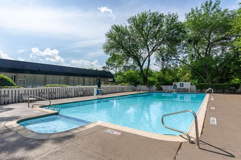 Pool - Rodeway Inn Huntsville