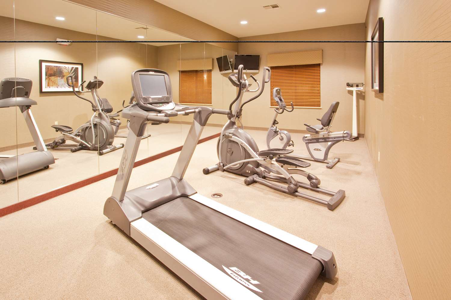 Fitness/ Exercise Room - Red Lion Inn & Suites Mineral Wells