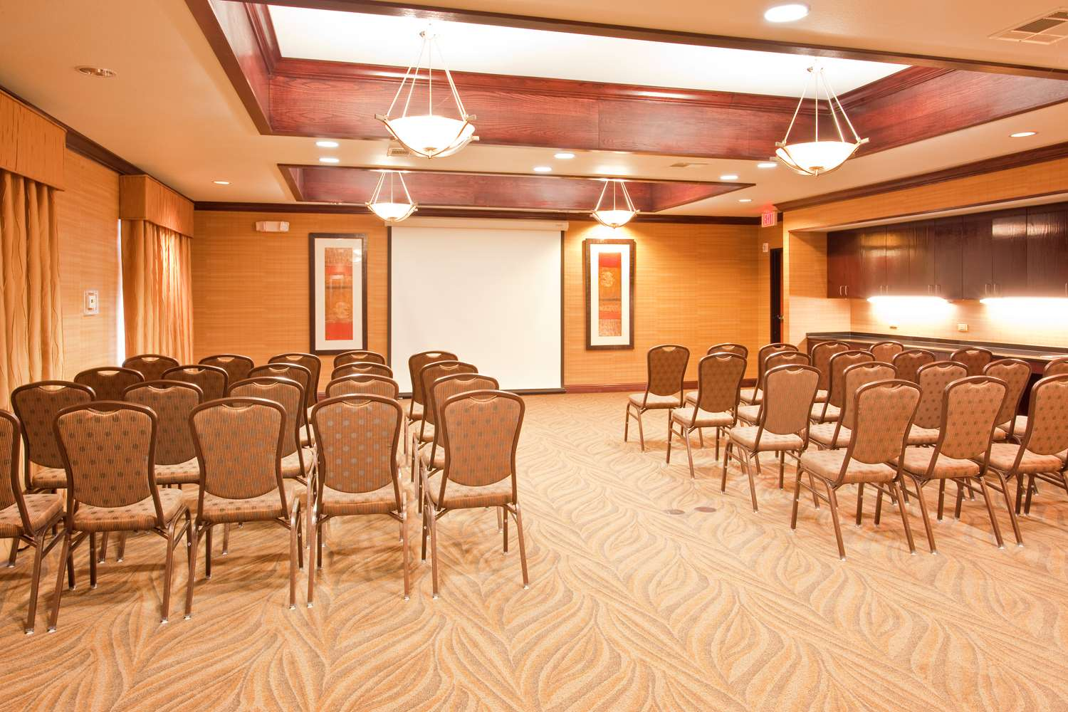 Meeting Facilities - Red Lion Inn & Suites Mineral Wells