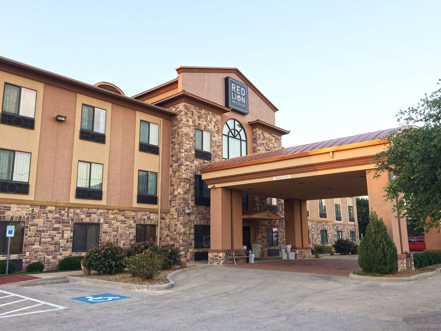 Exterior view - Red Lion Inn & Suites Mineral Wells