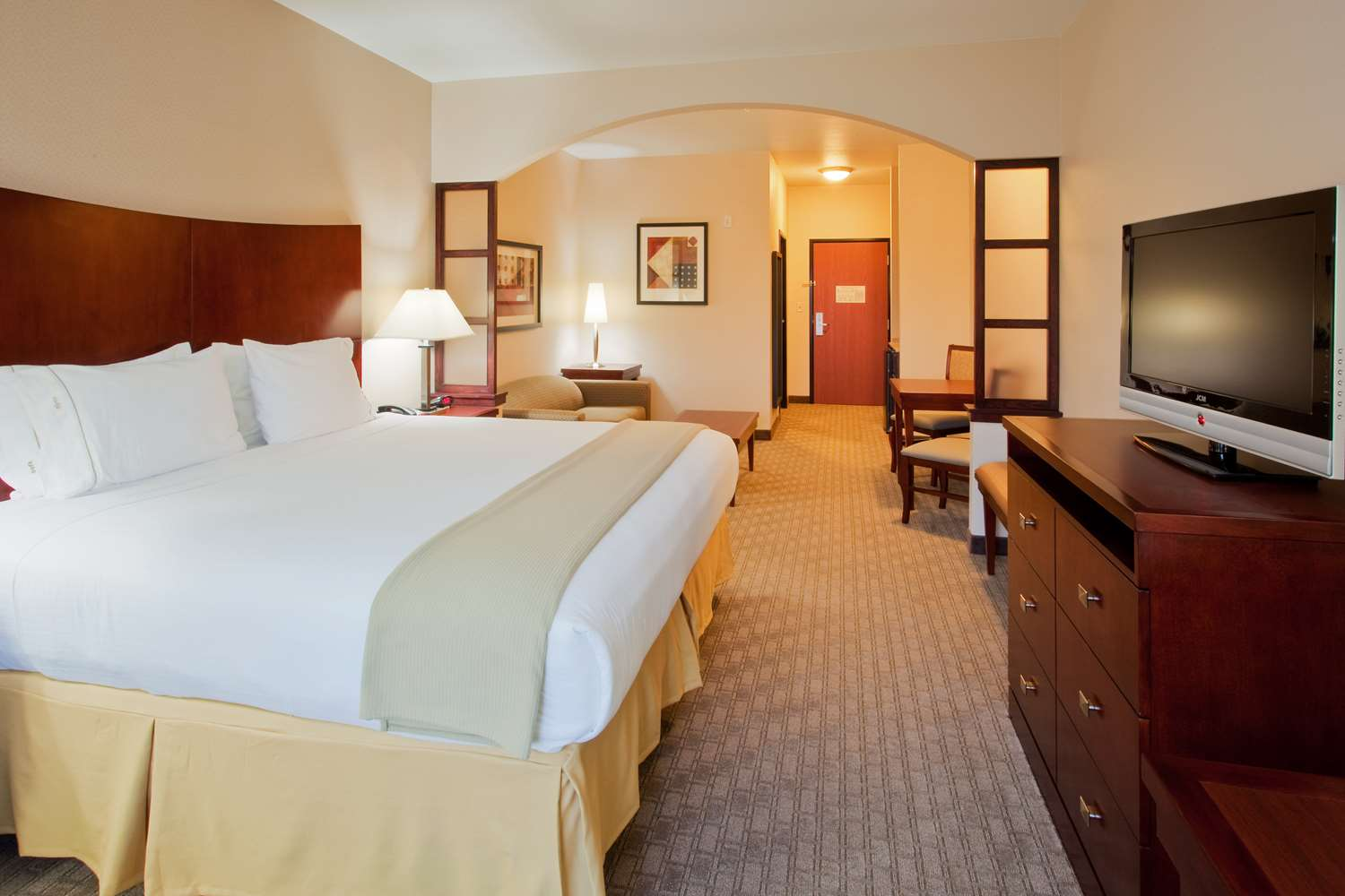 Suite - Red Lion Inn & Suites Mineral Wells