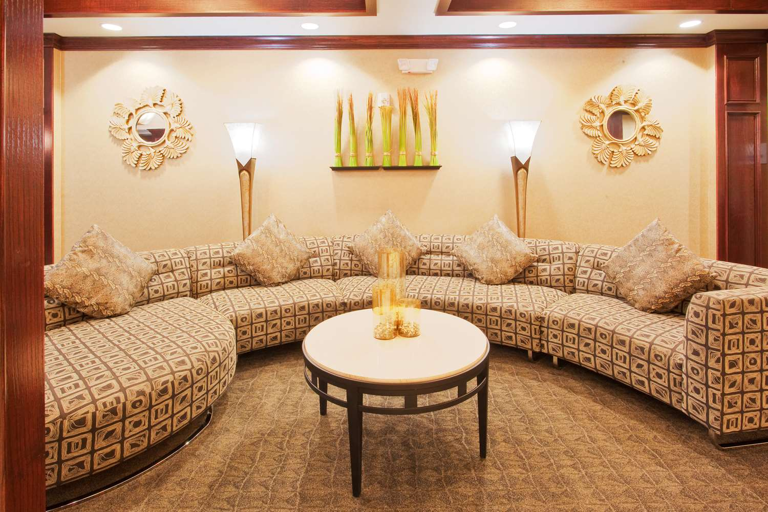 Lobby - Red Lion Inn & Suites Mineral Wells