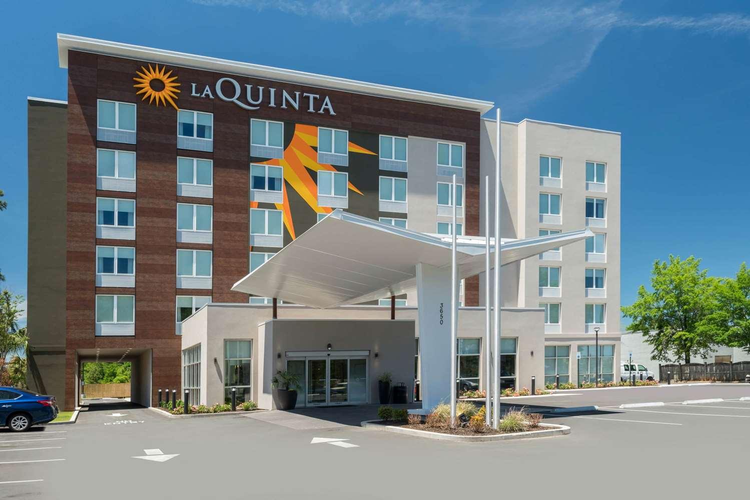 Exterior view - La Quinta Inn & Suites I-65 Mobile