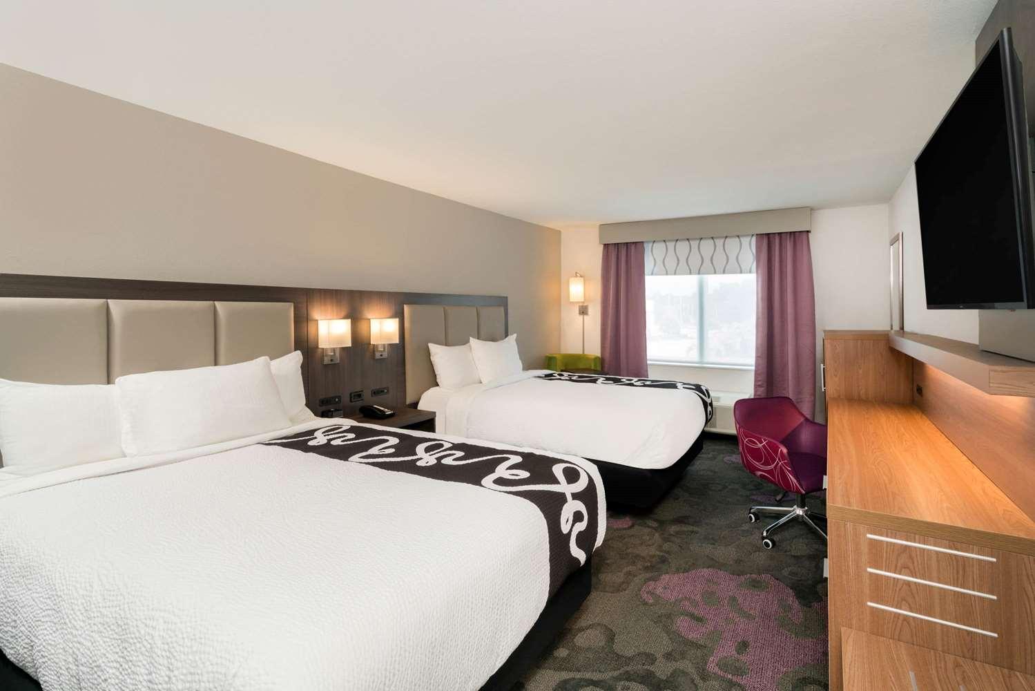 Room - La Quinta Inn & Suites I-65 Mobile
