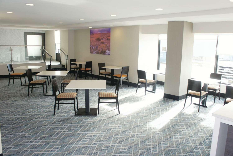 Restaurant - La Quinta Inn & Suites Medical Center Aurora