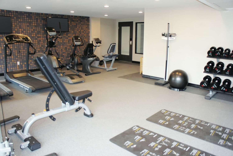 Fitness/ Exercise Room - La Quinta Inn & Suites Medical Center Aurora