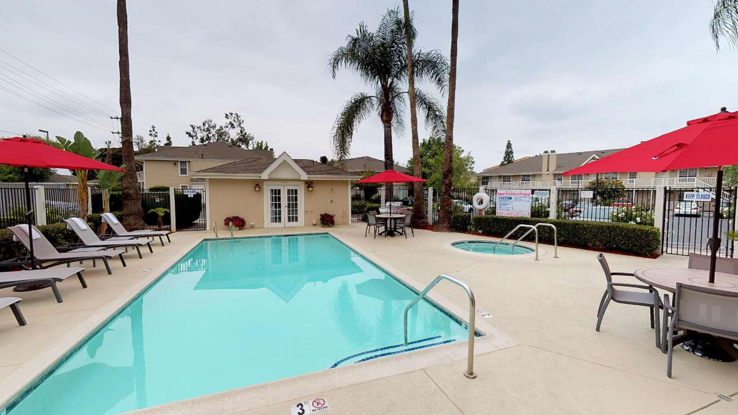 Pool - Chase Suite Hotel Brea