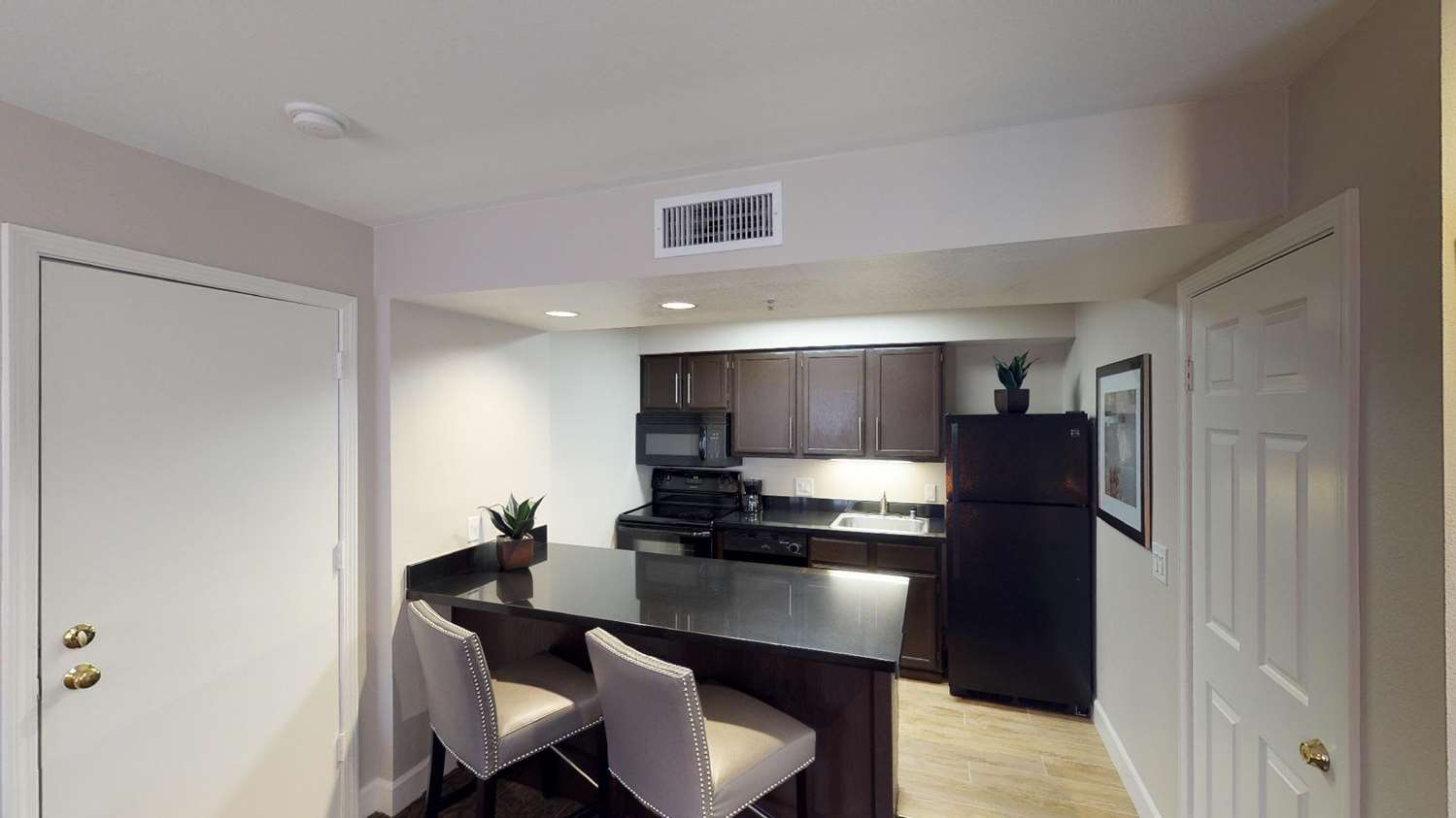 Amenities - Chase Suite Hotel Brea