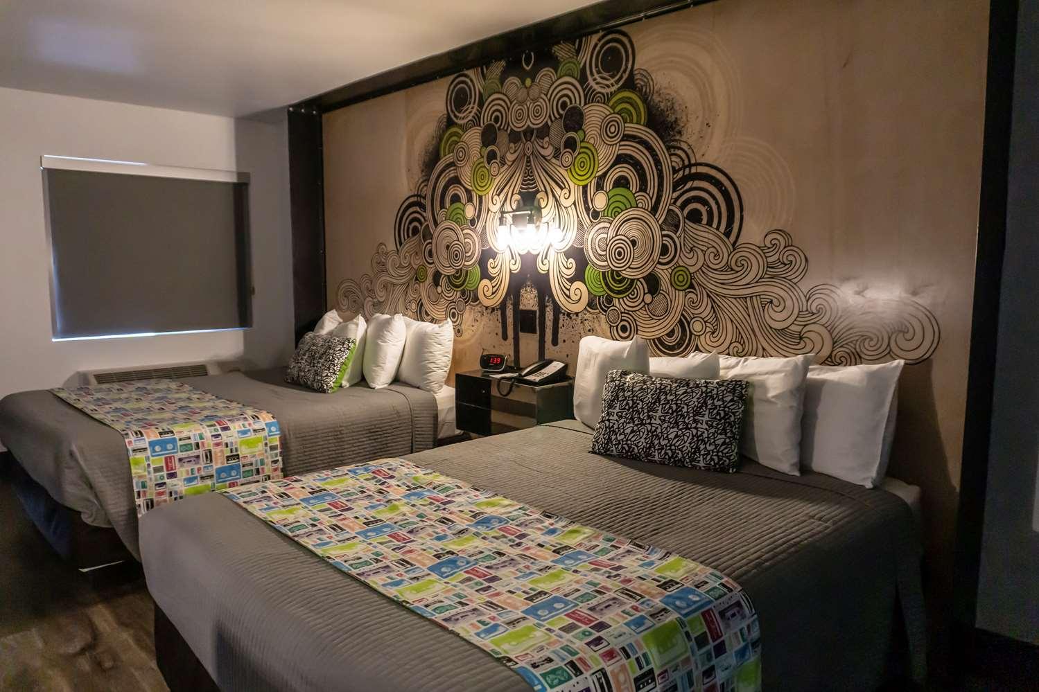 Room - SureStay Hotel by Best Western Downtown Phoenix