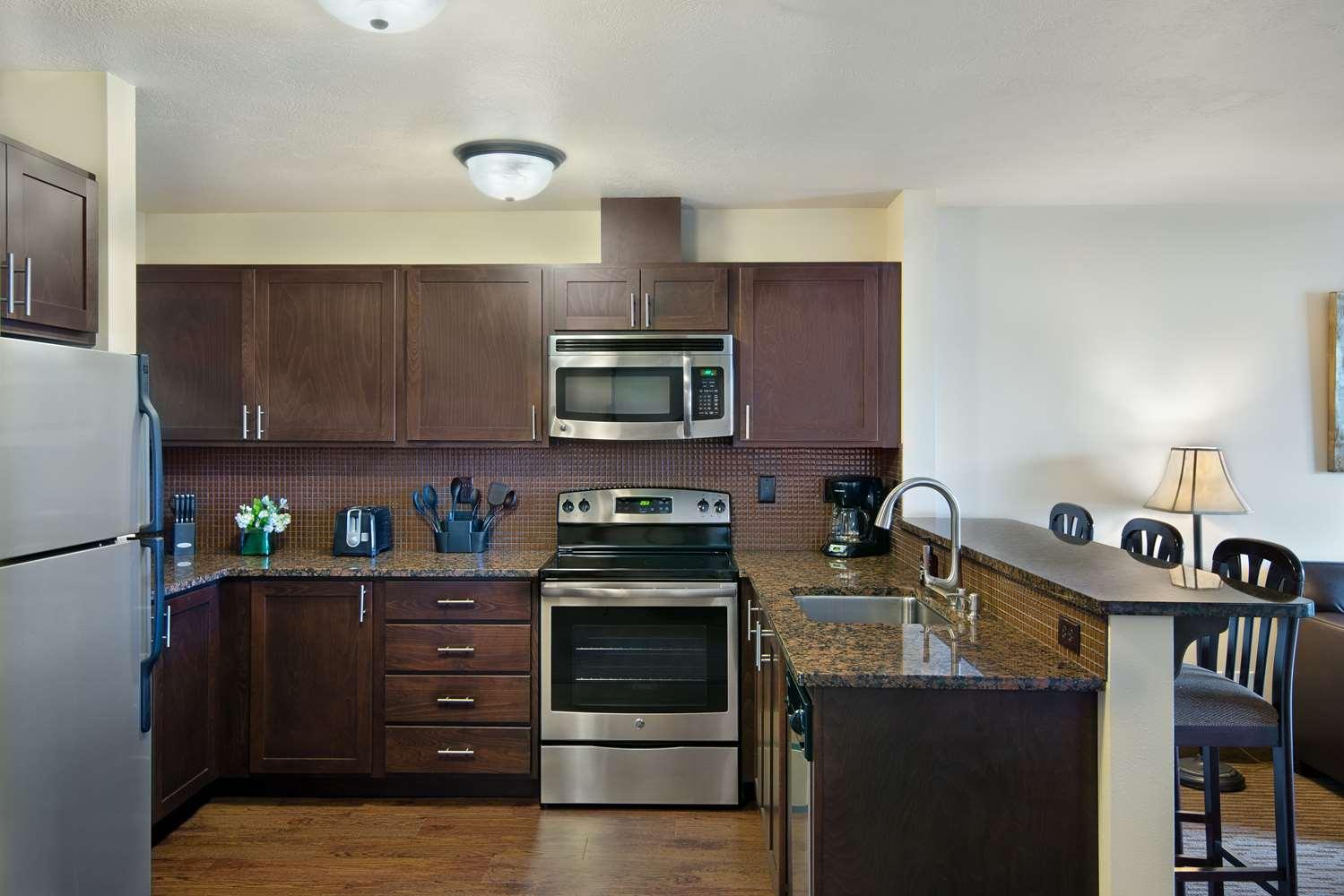 Oxford Suites Spokane Valley