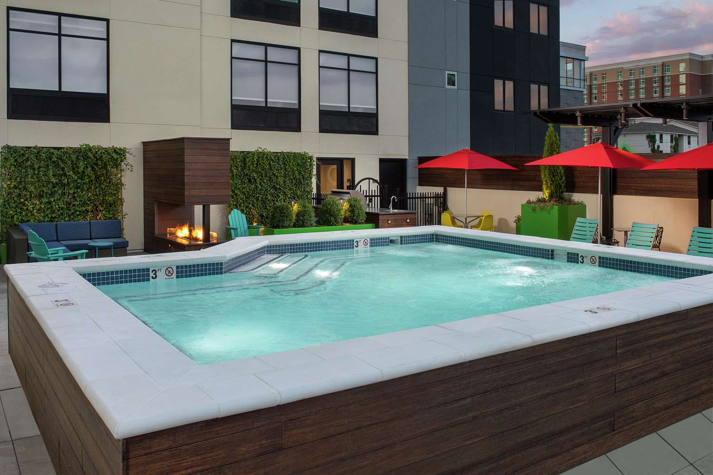 Pool - Home2 Suites by Hilton Downtown Convention Center Nashville