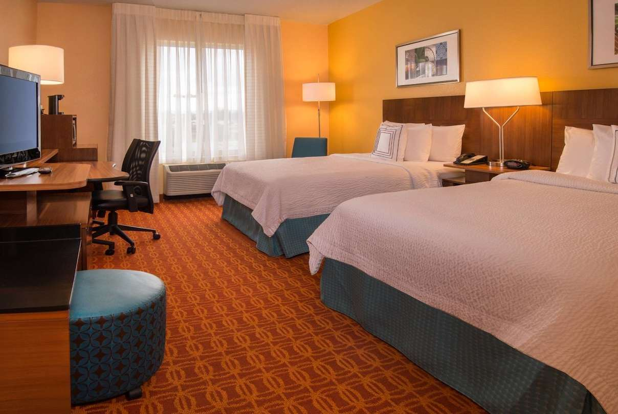 Room - Baymont Inn & Suites Chambersburg