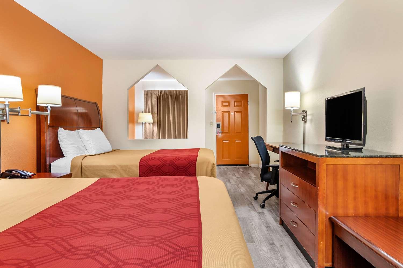 Suite - Econo Lodge Inn & Suites Lafayette