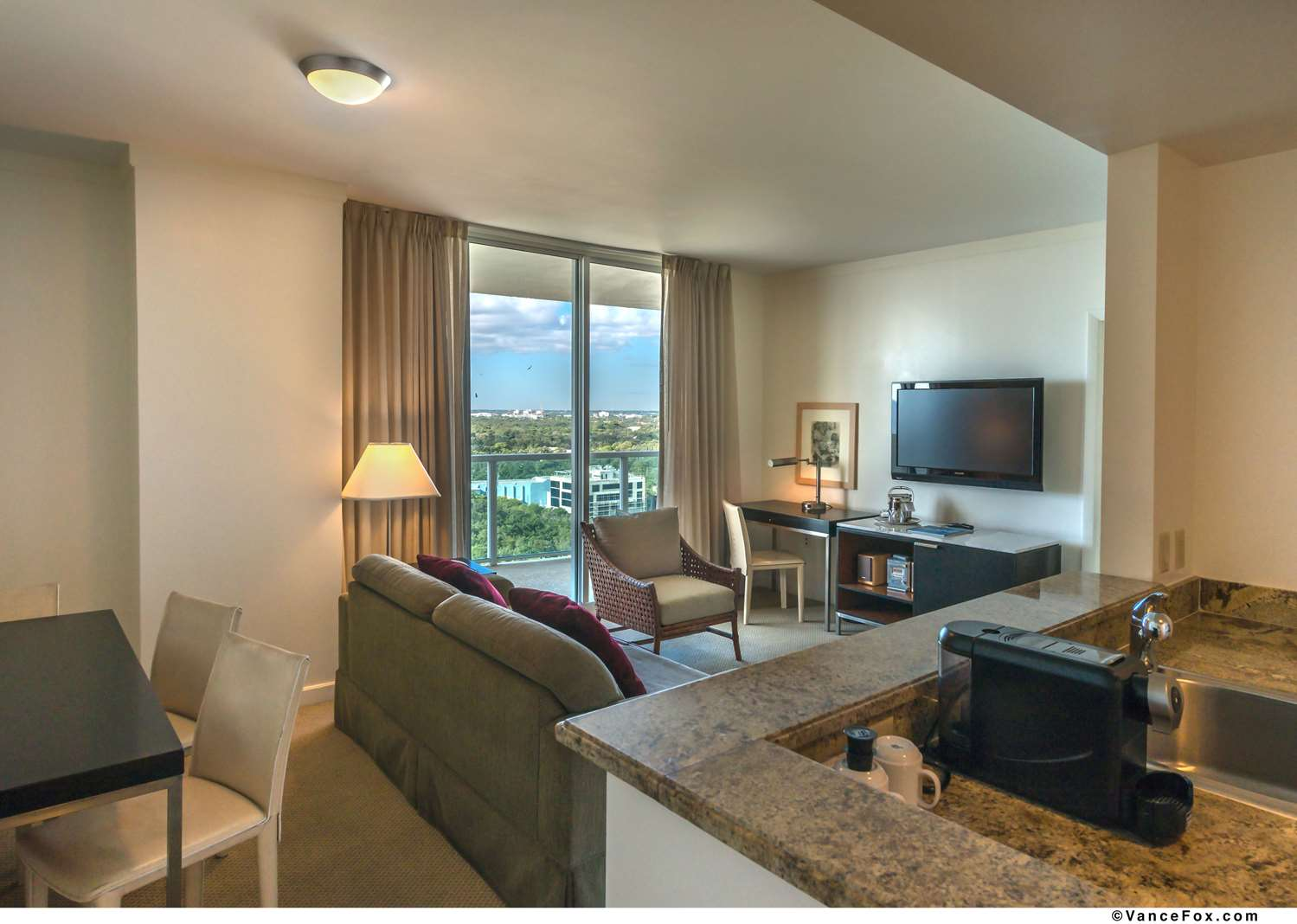 Suite - Hotel Aria Coconut Grove
