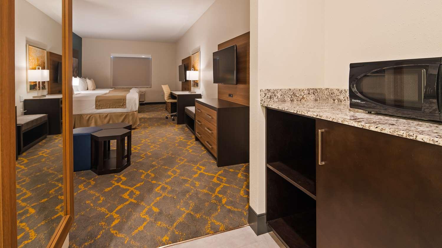 Room - Best Western Plus Isanti Hotel
