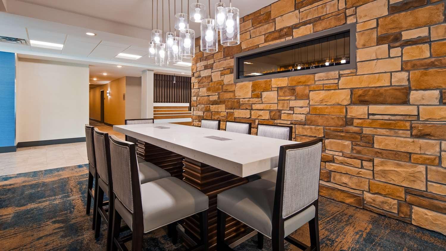 Lobby - Best Western Plus Isanti Hotel