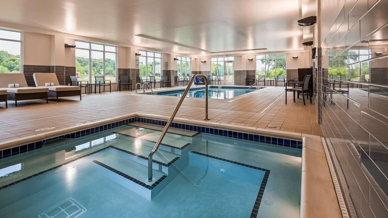 Pool - Best Western Plus Isanti Hotel