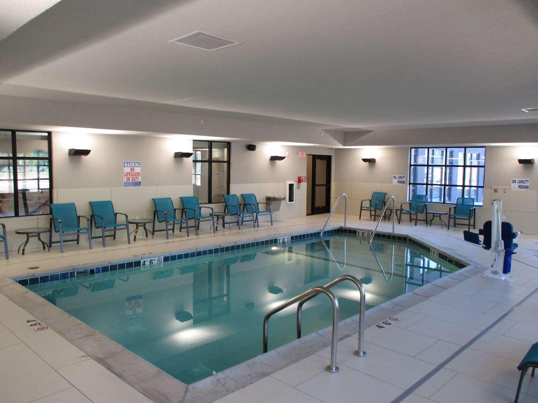Pool - Best Western Plus St Peter Hotel