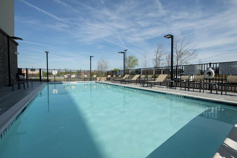 Pool - Hampton Inn Snellville