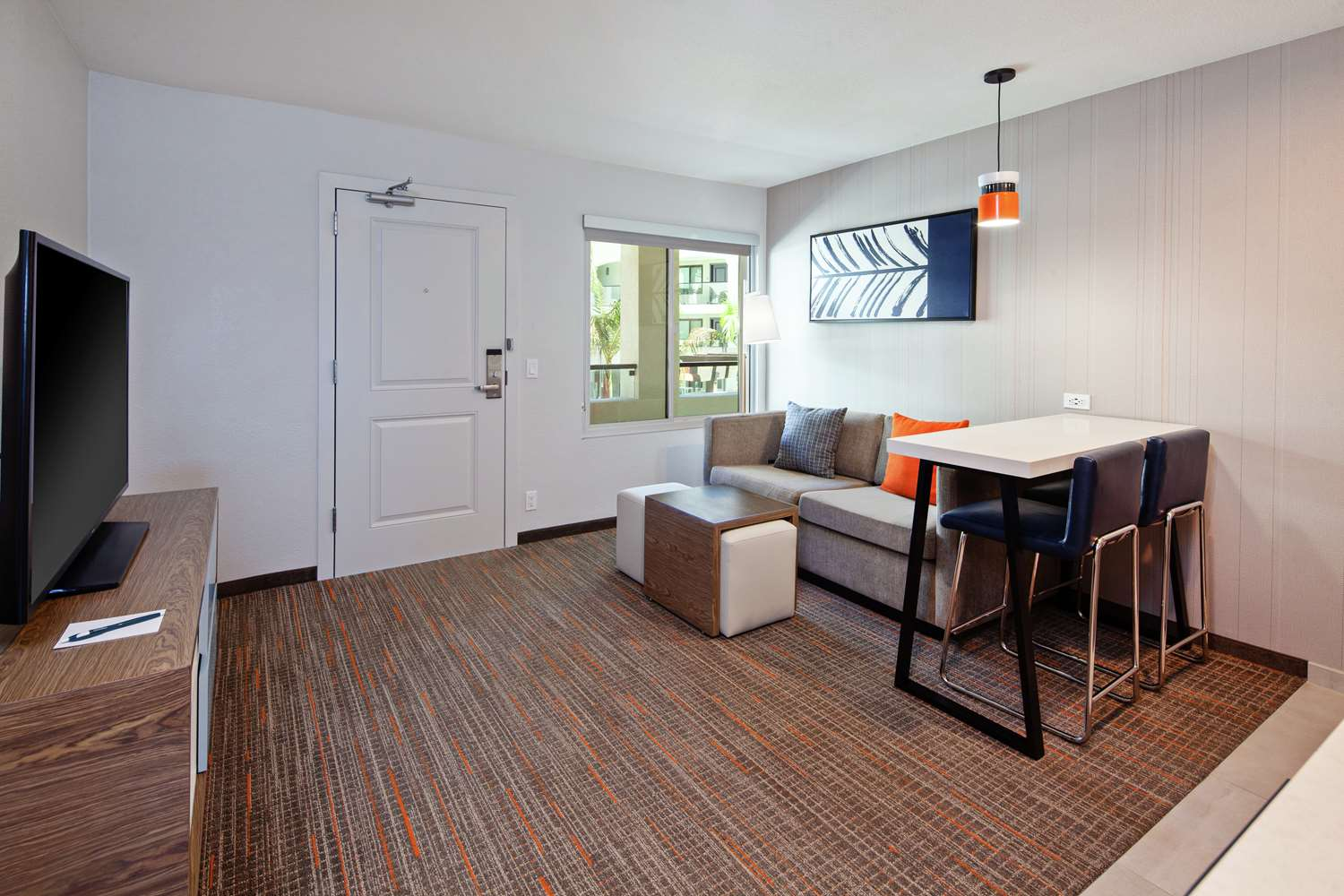 Room - Homewood Suites by Hilton Central San Diego