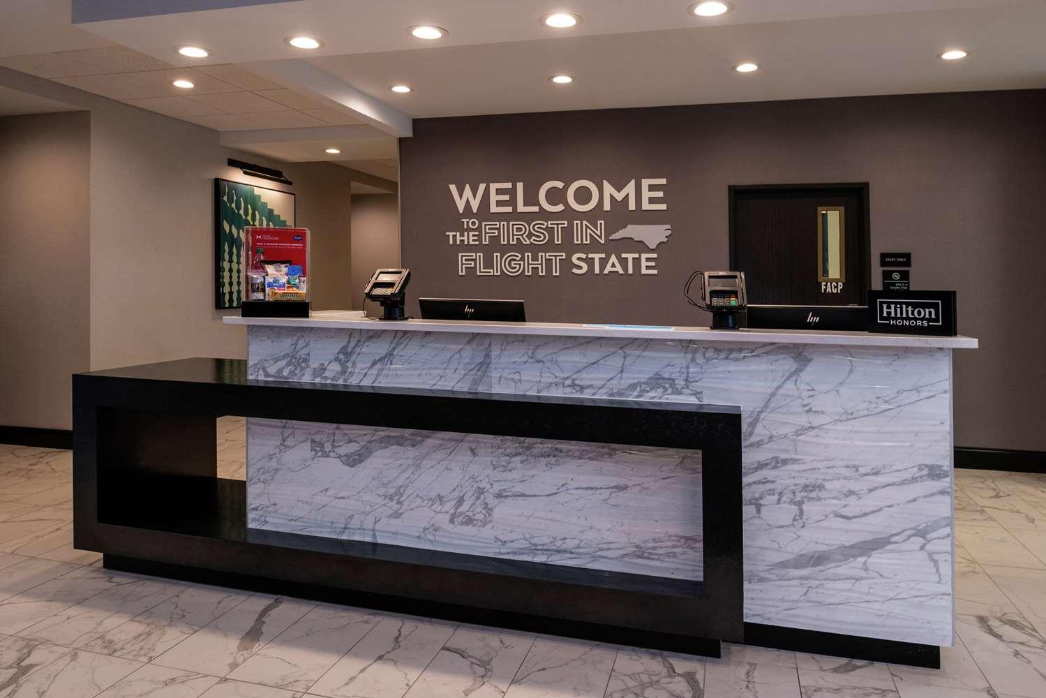 Lobby - Hampton Inn & Suites Downtown Winston-Salem