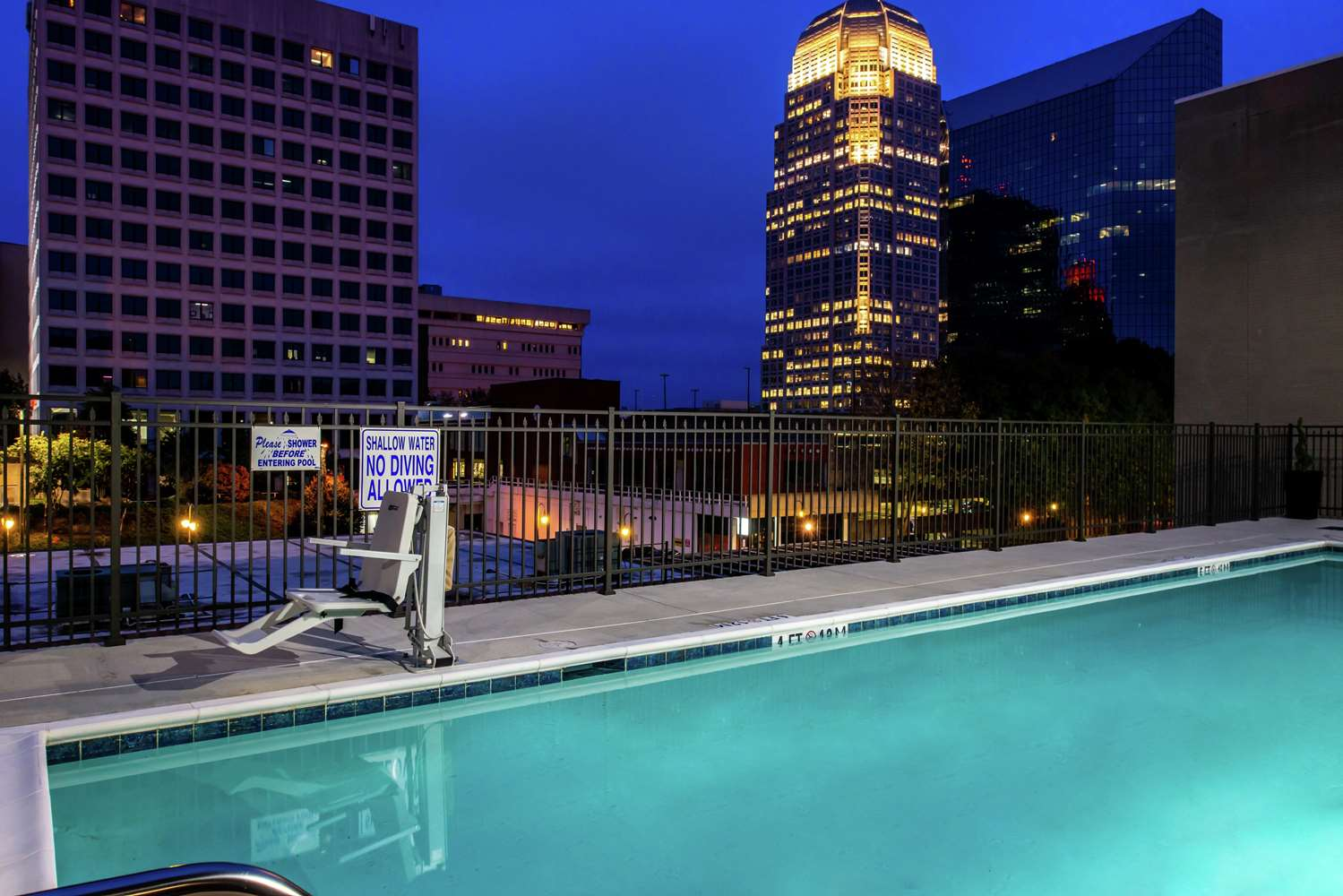 Pool - Hampton Inn & Suites Downtown Winston-Salem