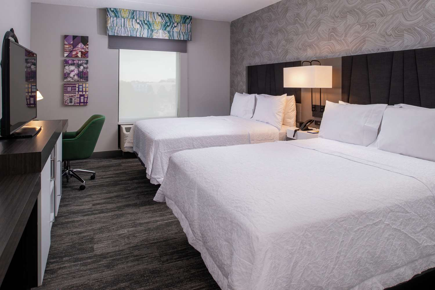 Room - Hampton Inn & Suites Downtown Winston-Salem