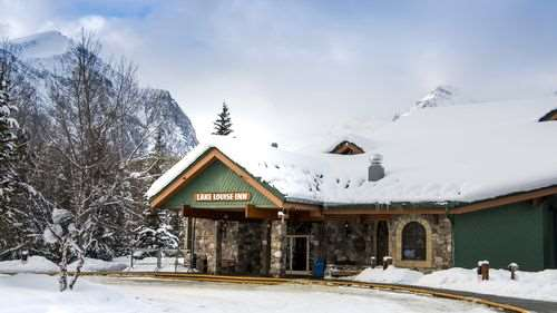 Exterior view - Lake Louise Inn