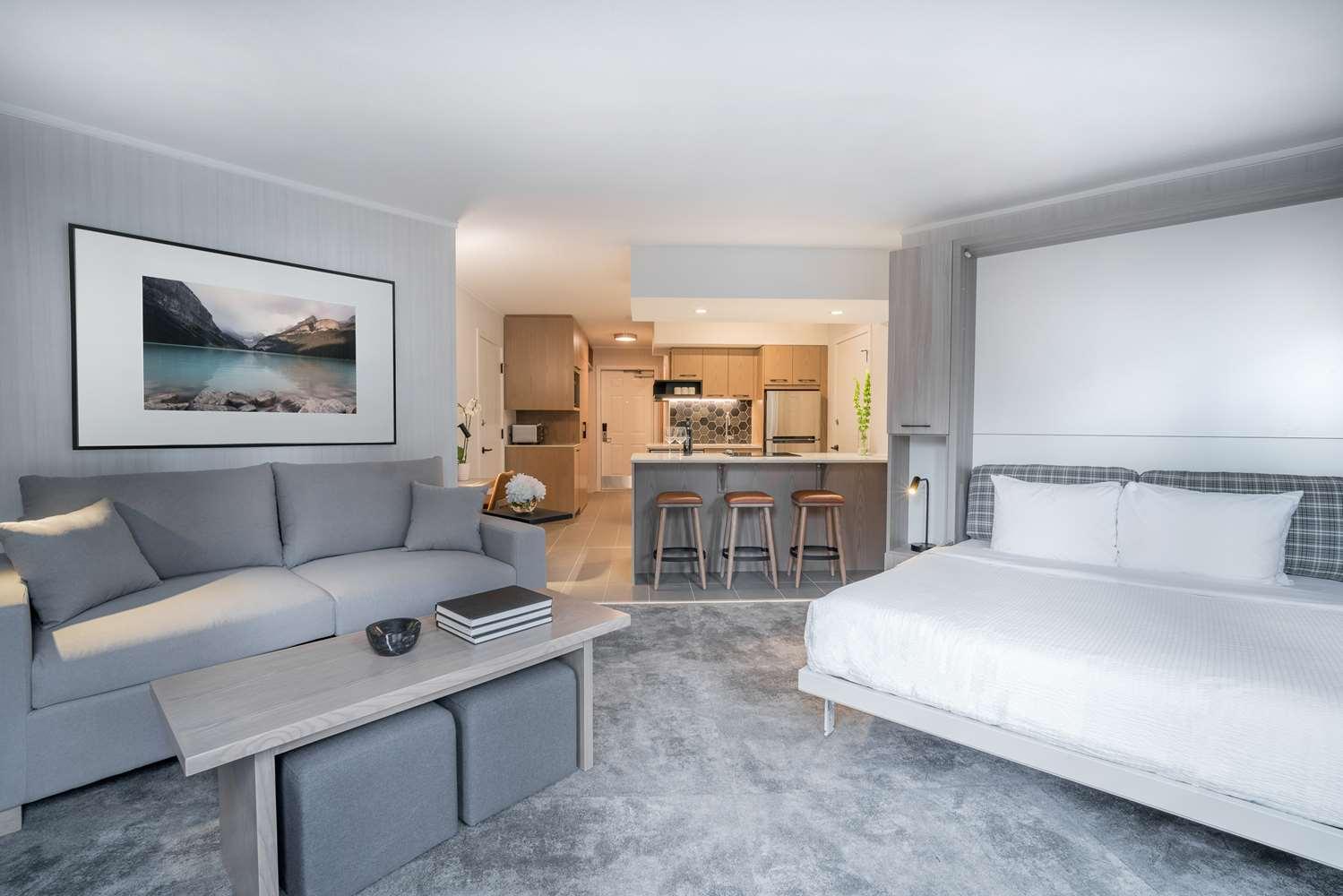 Suite - Lake Louise Inn