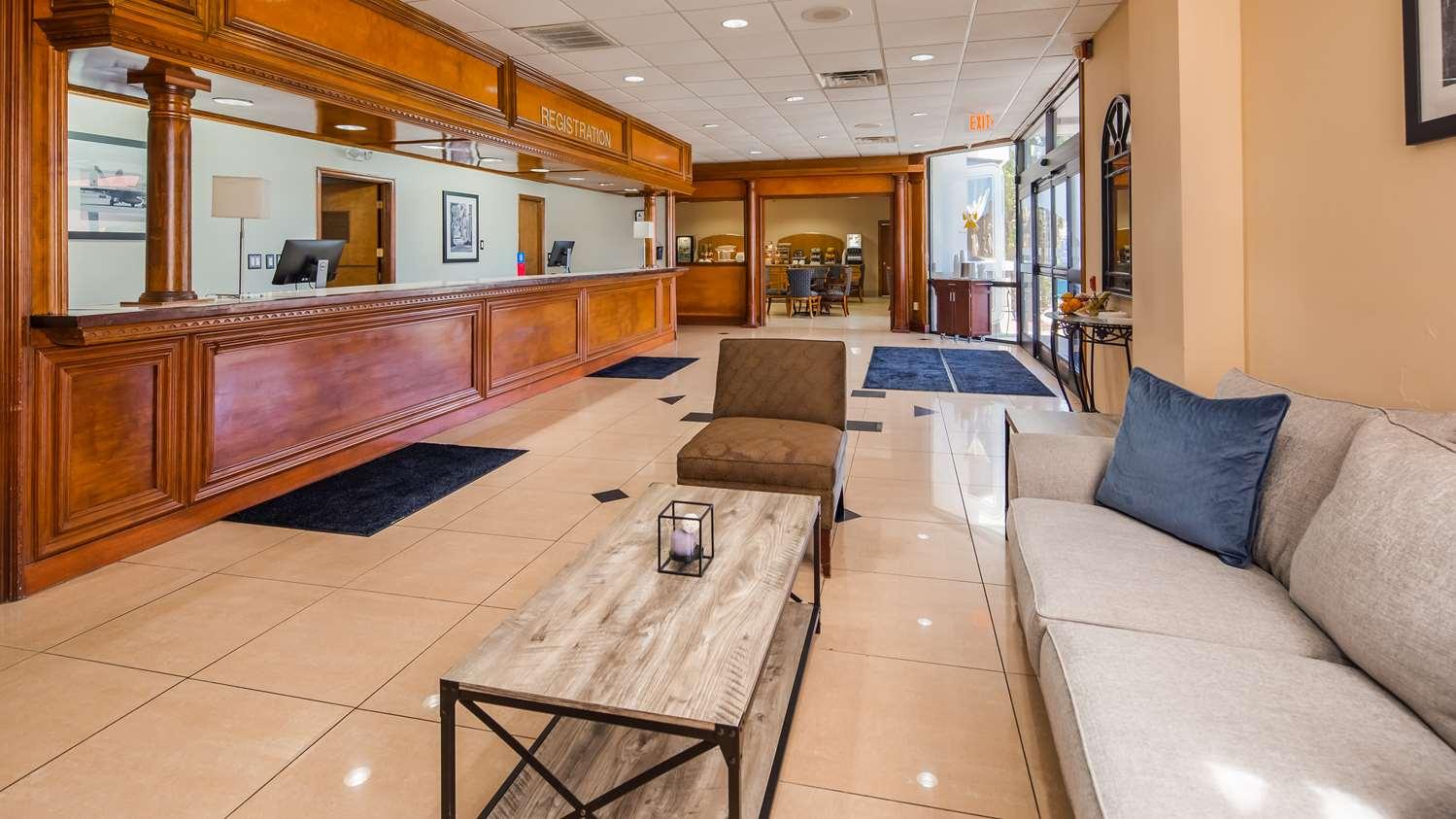 Lobby - SureStay Plus Hotel by Best Western Jacksonville