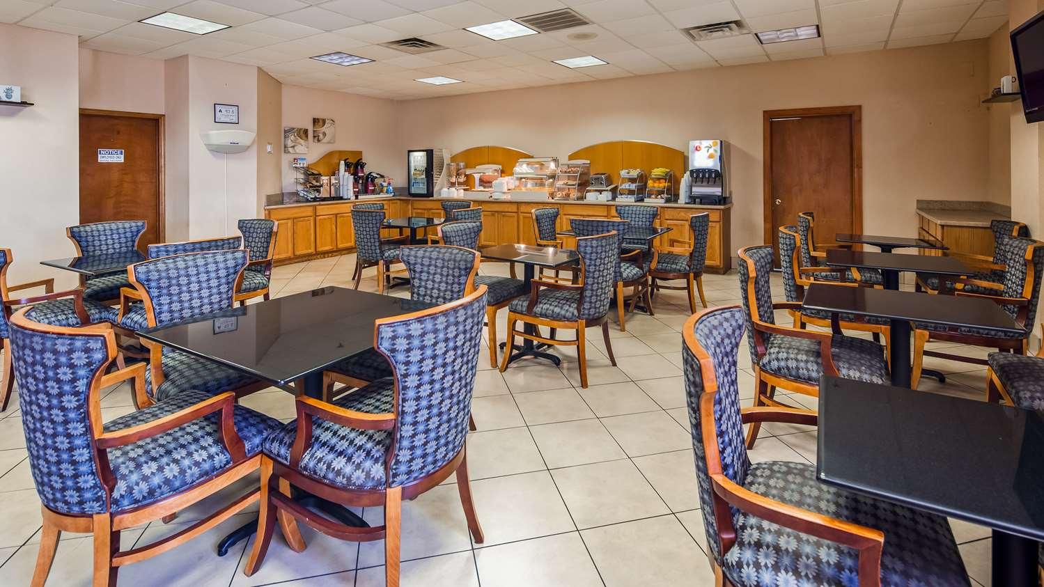Restaurant - SureStay Plus Hotel by Best Western Jacksonville