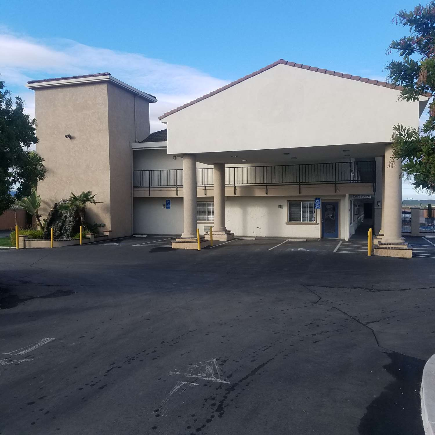 Exterior view - SureStay Hotel by Best Western Hollister