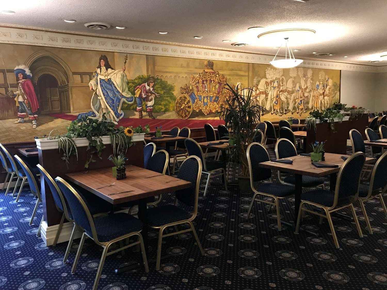 Restaurant - Chateau Louis Hotel & Conference Centre Edmonton