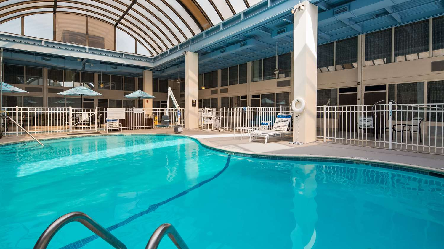 Pool - SureStay Plus Hotel by Best Western Airport Albany