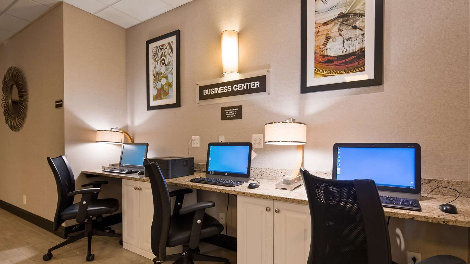 Conference Area - SureStay Plus Hotel by Best Western Airport Albany